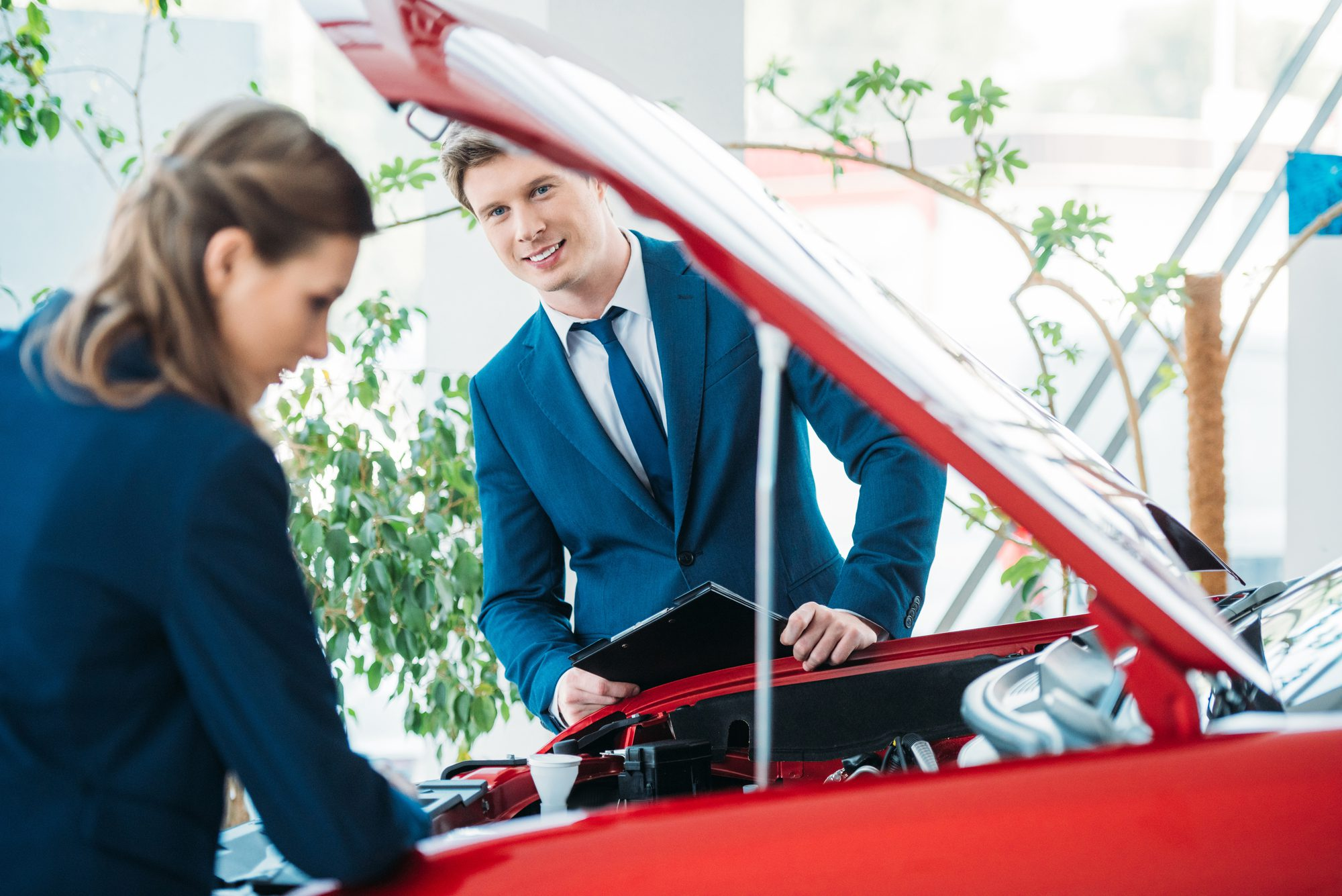 How to Attract the Right Salespeople to Your Dealership